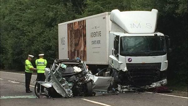 97141812 crash1 600x337 - Horrific Car Crash Kills Mother & Her Two Young Children